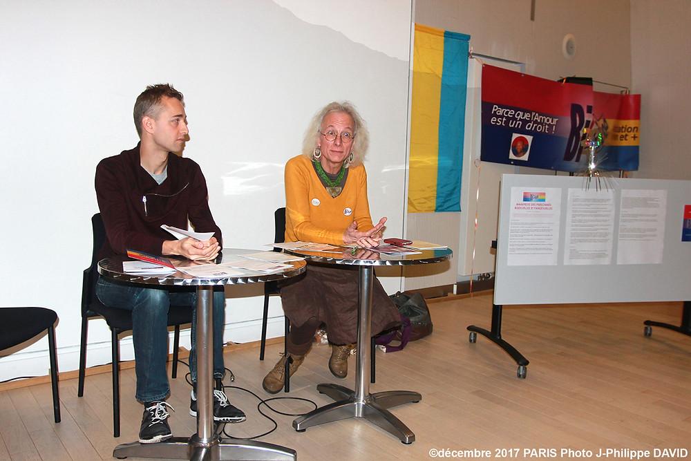 Christophe Madrolle et Vincent-Viktoria lors de la présentation du Manifeste des Personnes Bisexuelles et Pansexuelles.