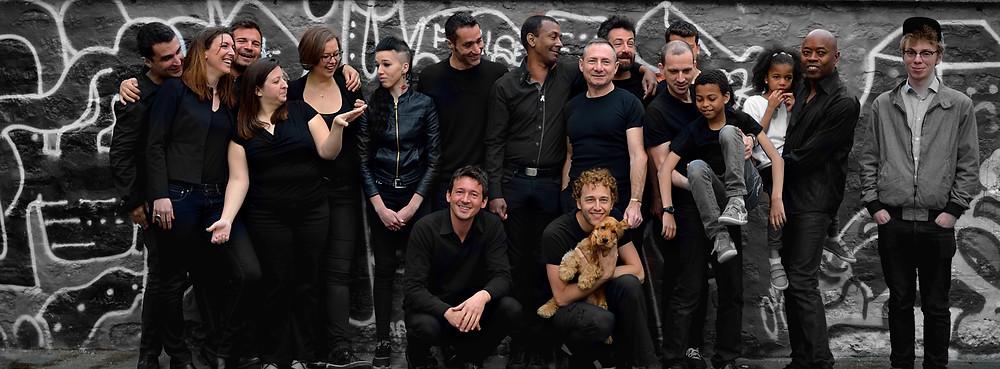 """L'équipe de tournage sur le clip """"Grandir En Paix"""" de l'association Le Refuge."""
