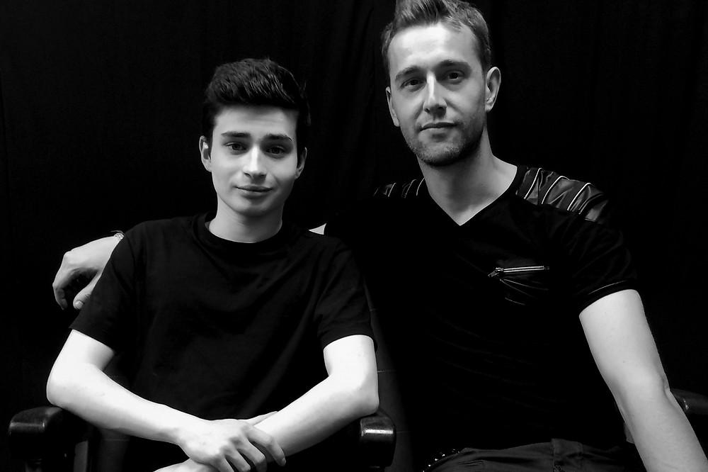 """Christophe Madrolle et Maxime Godart sur le tournage du clip """"Young And""""'."""