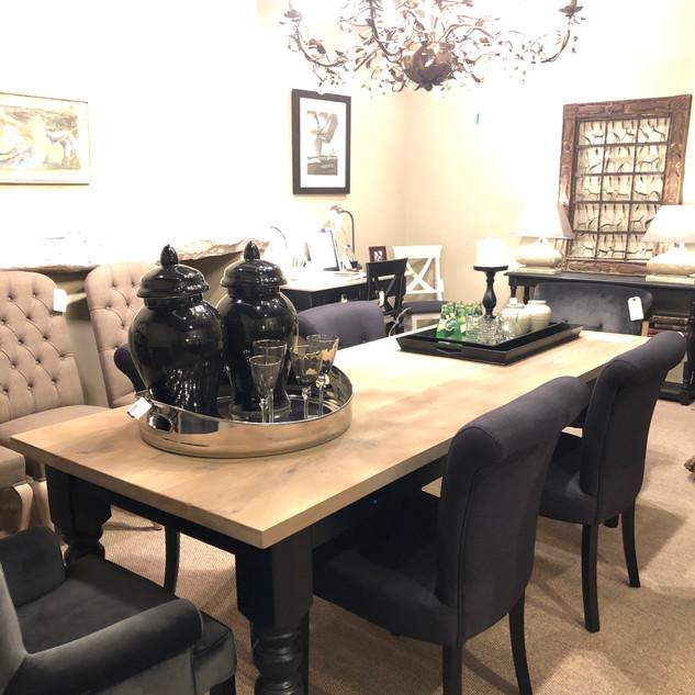 Eetkamer tafel + stoelen
