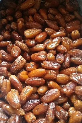 20b Bulk Organic Pitted Deglet Nour Dates