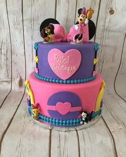 Minnie Mouse Boutique Cake #cake #minnie