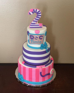 Doc McStuffins Cake #cake #cakedecoratin