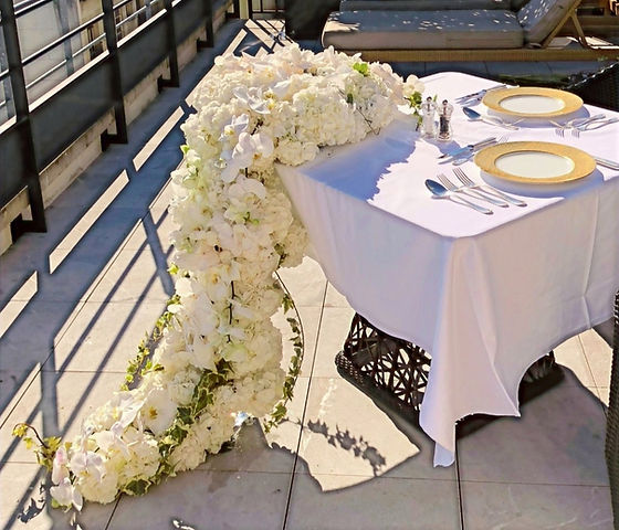 Table_fleurs_blanches_edited.jpg