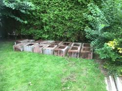 De bloembakken (100 stuks a 40 kg!)werden door de mannen van de onderhoudsploeg verwijderd