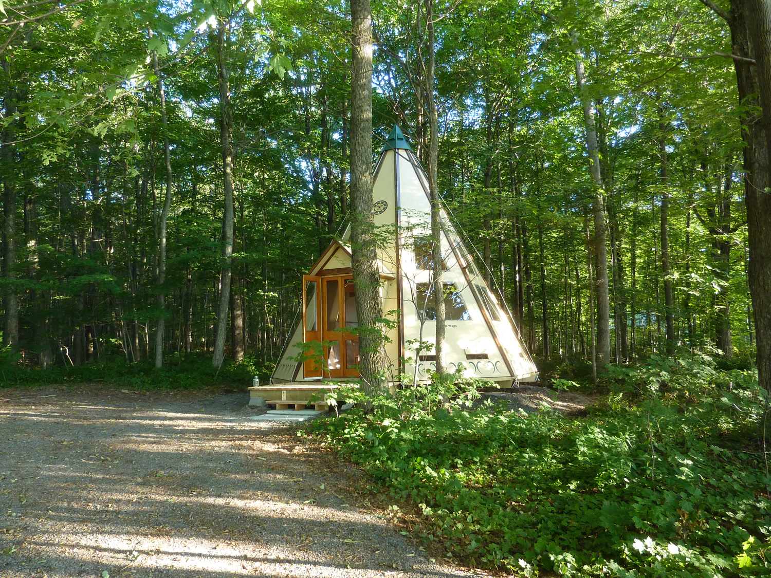 Tipi Le Grand Huron
