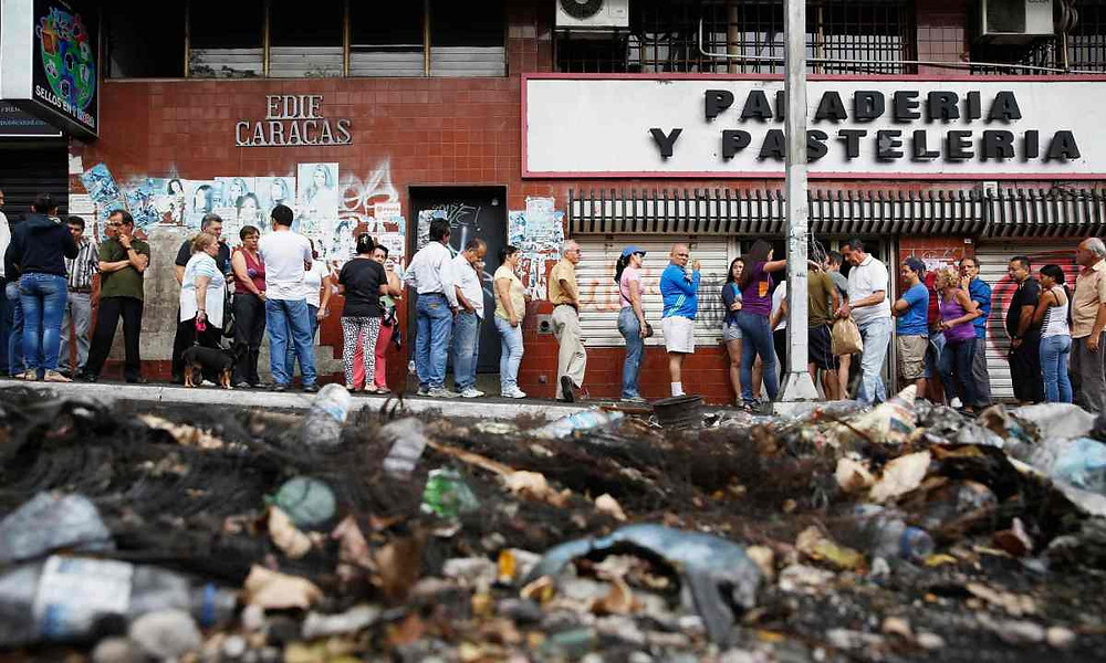 Meltdown Venezuela - Source Carlos García Rawlins/Reuters