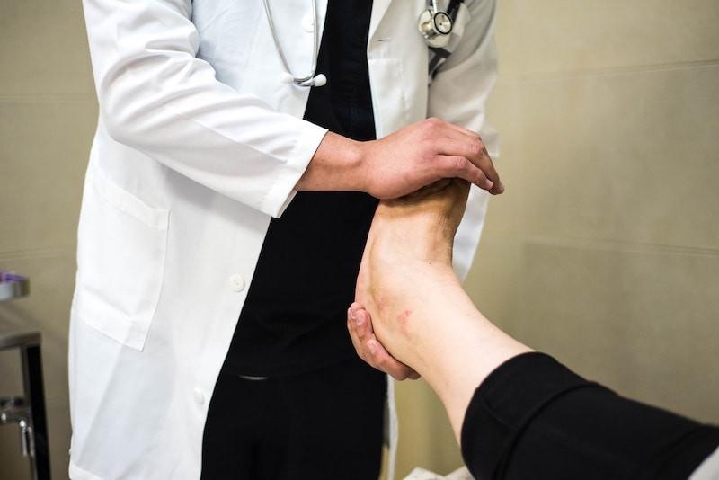 traitement naturel contre champignon du pied