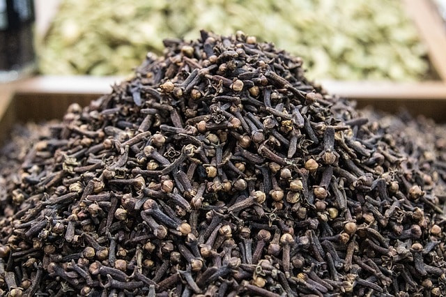 huile essentielle de girofle contre mycose