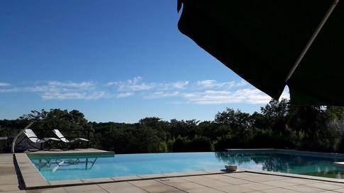 Infinity pool at Les Arts du Bout