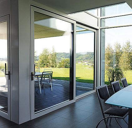 Jansen Steel Lift Slide Door - IQ Radiant Glass Thermal Dynamic entrances