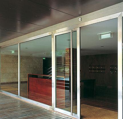 Jansen Steel Sliding Impact Doors