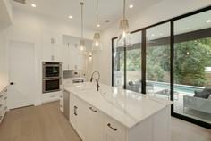 014-280035-Kitchen and Breakfast 04_6677887.jpg