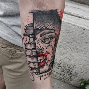 grenade+girl.jpg