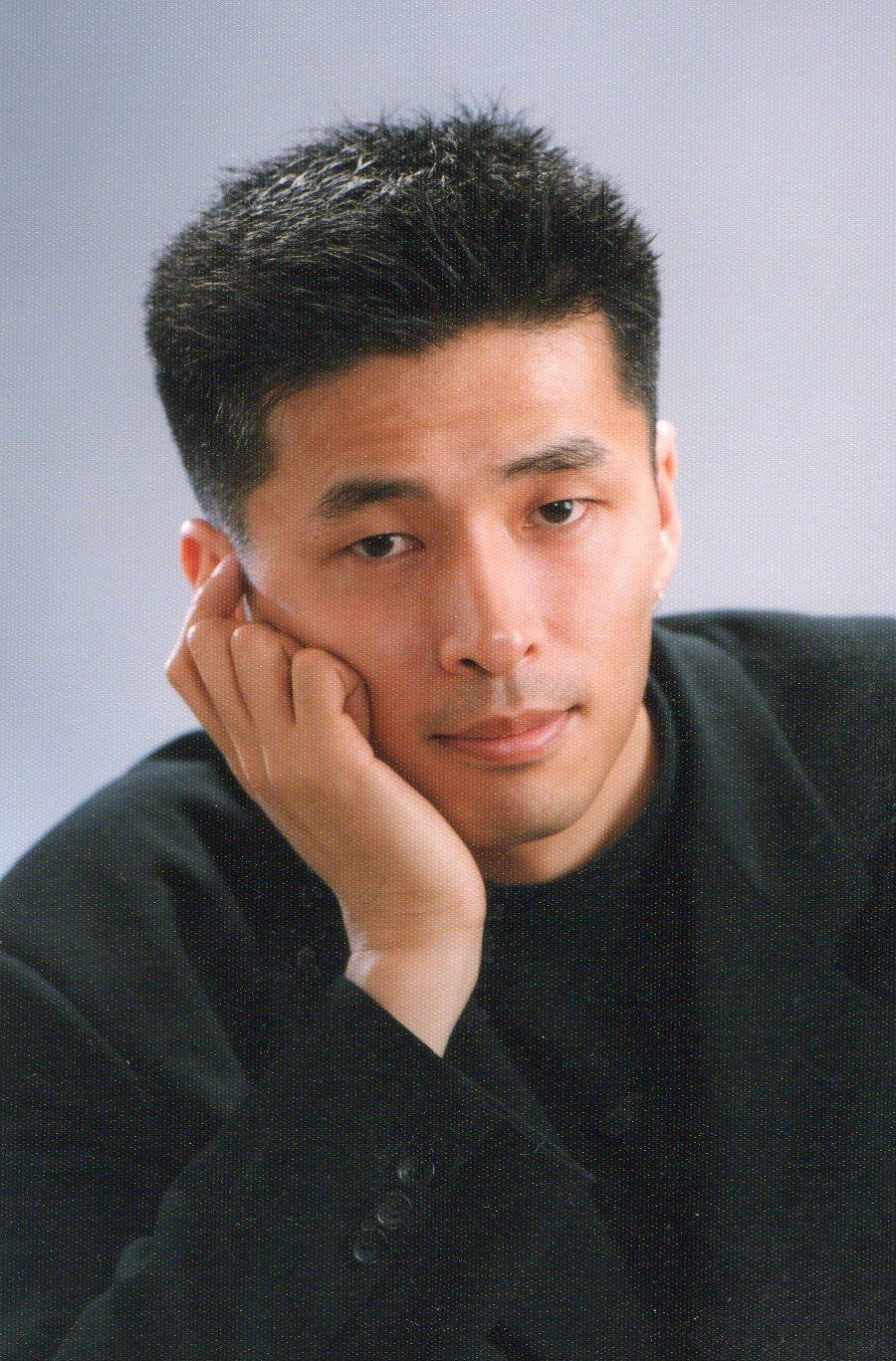 Keiichi Ueno 02 頬杖☆