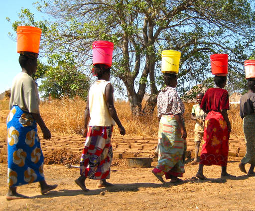 african-women-walking