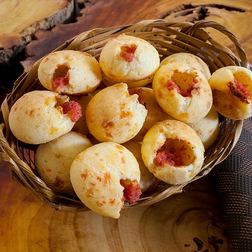 Pão de queijo (com queijo da canastra) com calabresa (10 und)