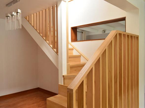 pisos de madera parquet escalera copy.jp