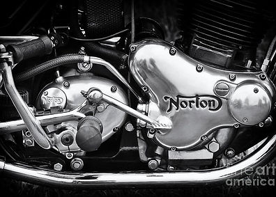 norton-commando-850-engine-tim-gainey.jp