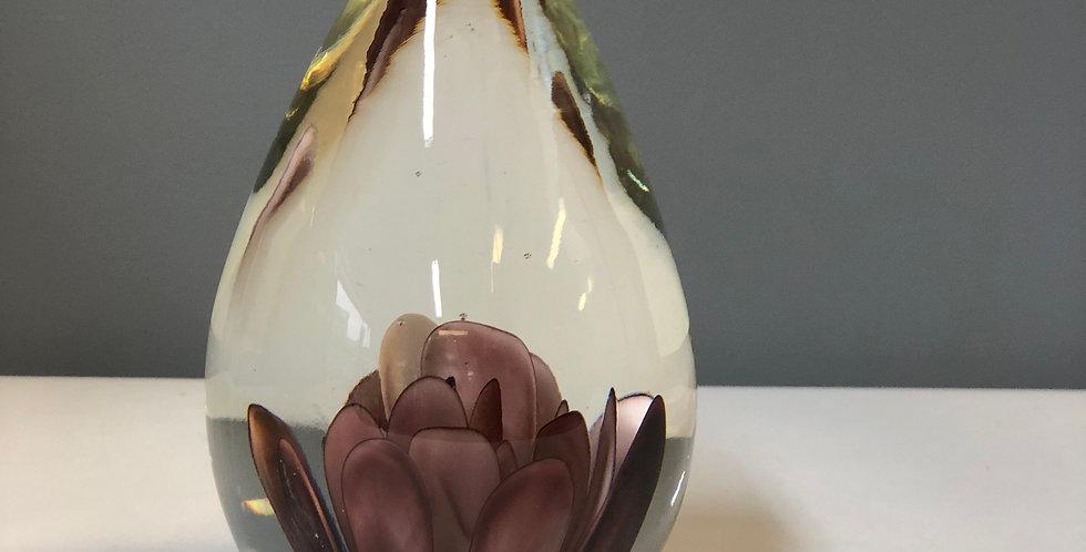 Gler paperweight dropalaga burgundy blóm