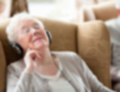 music-therapy-in-mumbai-india-for-old-age-care