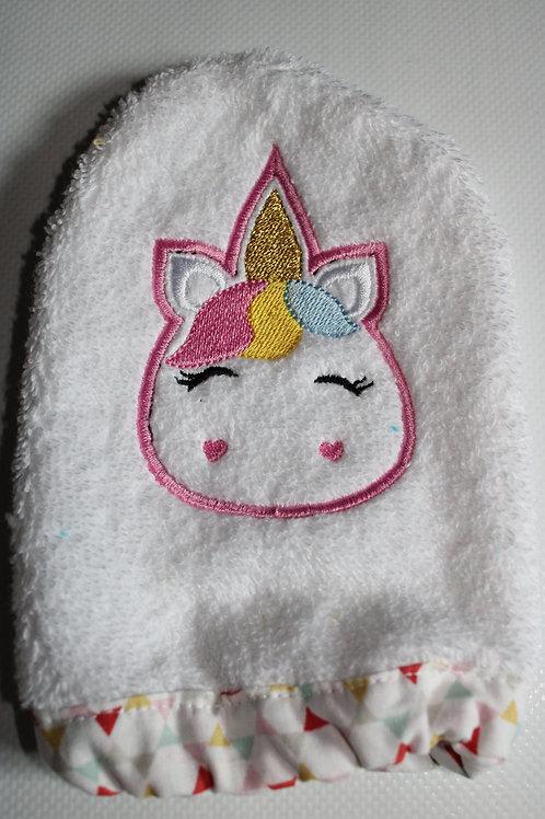 Maika Créations, gant de toilette brodé