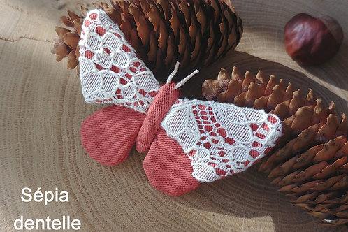 Promenade Bucolique, papillon sur broche