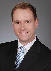 Rechtsanwalt Michael B. Siegel. Die Kanzlei hat ihren Sitz in München am Gärtnerplatz und ist spezialisiert im Zivilrecht u.a. auf Miete, Wohnen, Reise, Verträge und Vollstreckung
