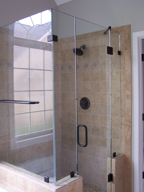 frameless shower in  East ridge.JPG