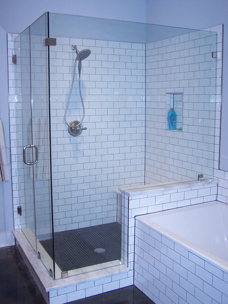 four pice frameless shower enclosure wit