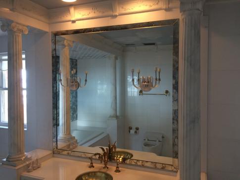 Clear Mirror Gold Vein Antique Frame