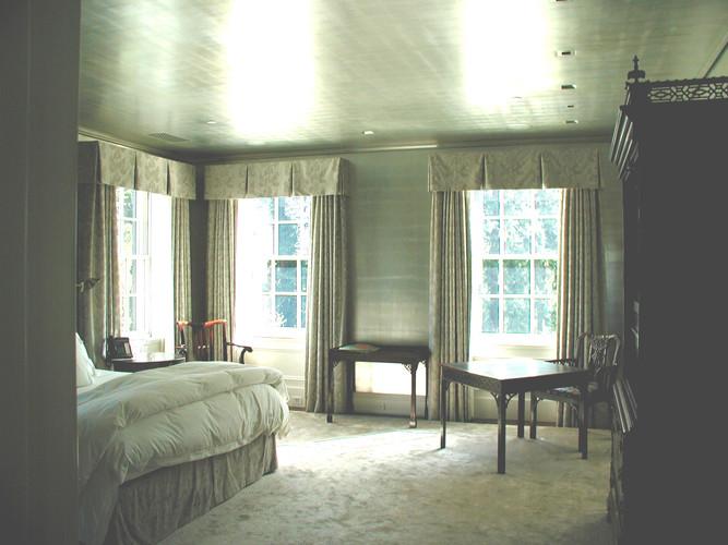 Silver leaf bedroom