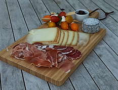 planche charcuterie_edited.png