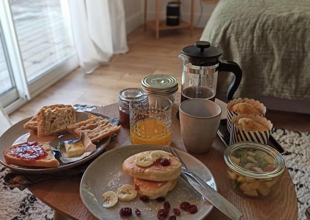 Petit déjeuner dans la chambre
