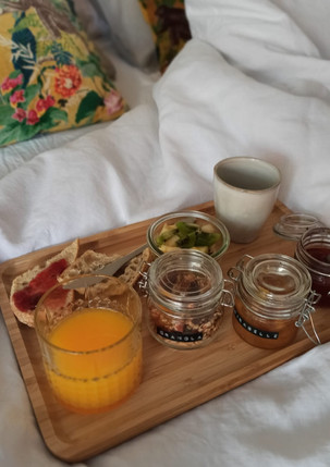 Petit déjeuner au lit...