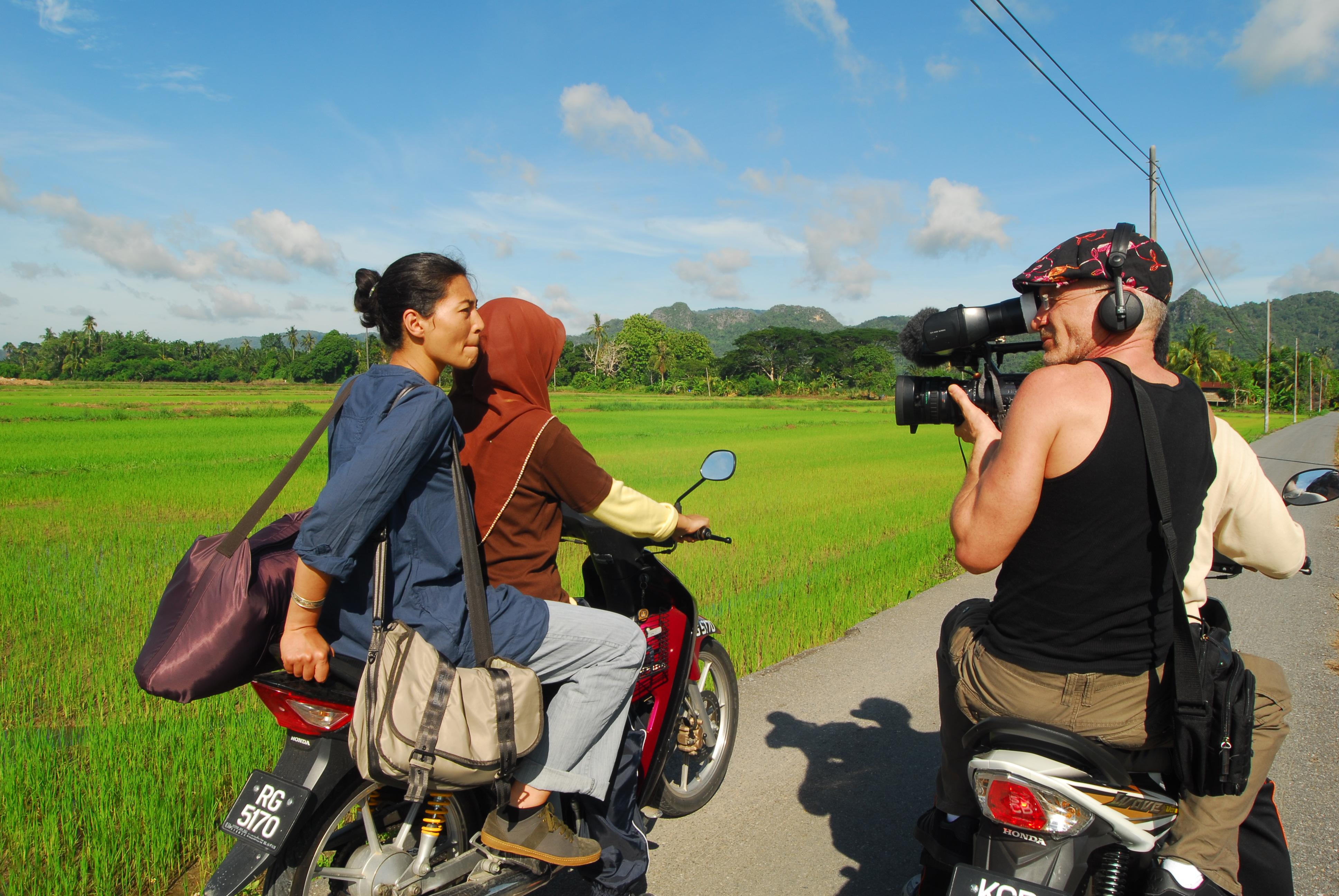 LES NOUVEAUX EXPLORATEURS-MALAISIE, CANAL + 2013