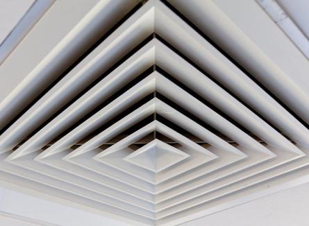 Covid-19: manutenção de sistemas de ar condicionado é atividade essencial