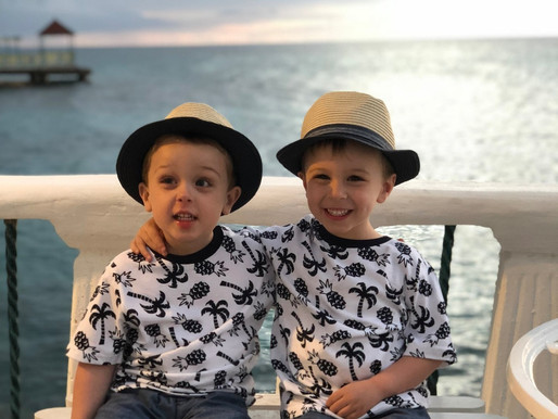How to Travel with Happy Littles:  The Dos and Don'ts