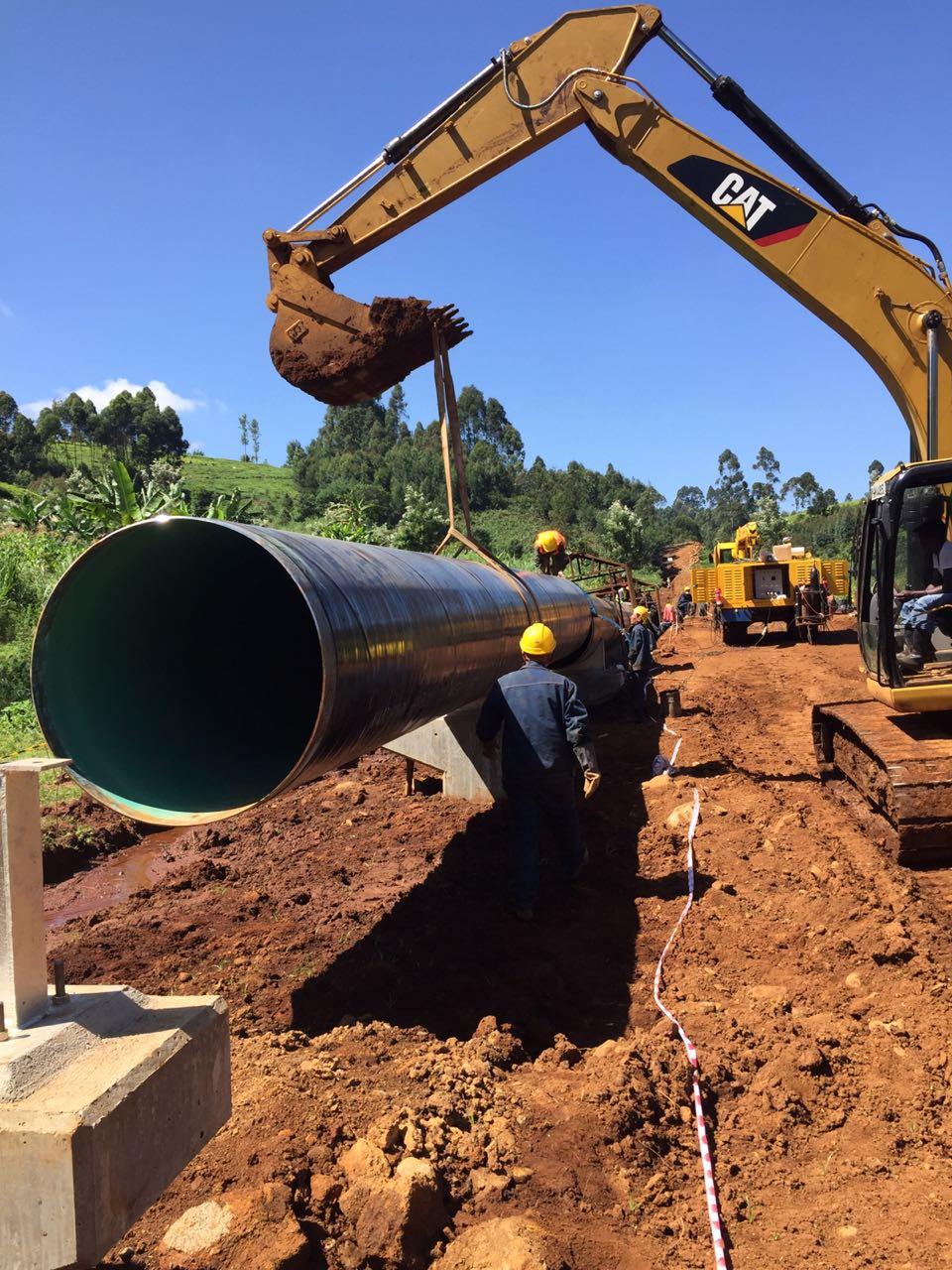 7. Handling of DN 1200 Steel Pipe at Aer