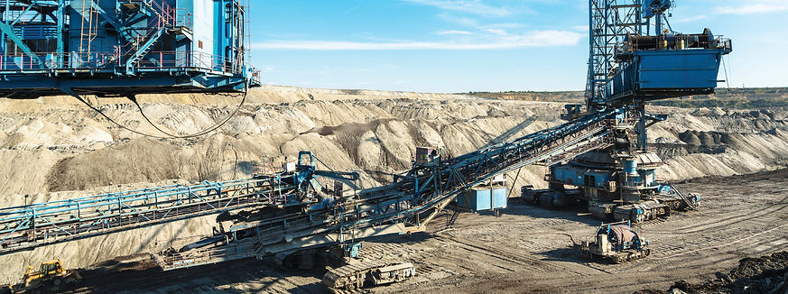 Mining-machinery-in-the-mine-00005633024