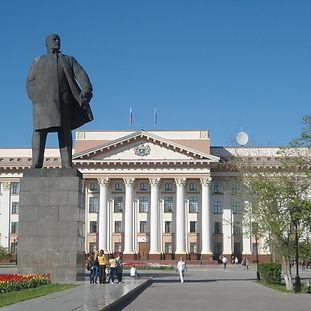 Tyumen_Lenin_-_panoramio.jpg