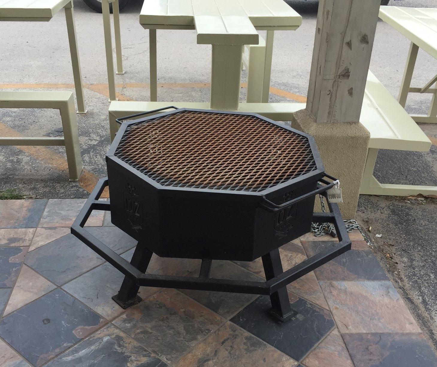 T-Hanger Fire Pit_Grill