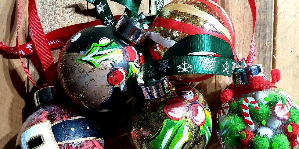 Crafts Alive Logan- Christmas Bauble Fri