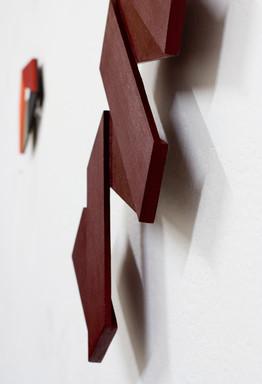 Izabela Kowalczyk, Relief 26, 2019, balsa, peinture acrylique, 101,5 x 47,5 x 2 cm