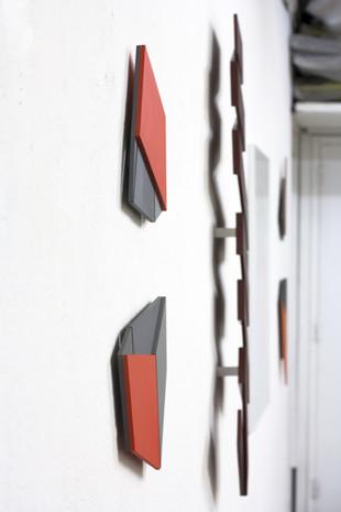 Izabela Kowalczyk, Relief 23, 2019, mdf, peinture acrylique, 60 x 30,5 x 1,5 cm, coll. particulière