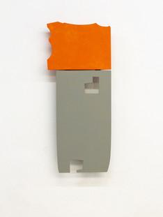 Izabela Kowalczyk, Relief 10, 2014, bois, charnières, peinture acrylique, 98 x 42 x 3 cm, coll. particulière