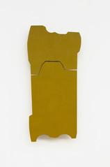 Izabela Kowalczyk, Relief 14, 2014, bois, charnières, peinture acrylique, 82 x 38 x 3 cm