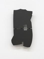 Izabela Kowalczyk, Relief 14, 2014, bois, charnières, peinture acrylique, 47 x 25 x 3 cm