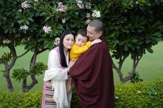 Thugseyla med Sangyumla og Karmapa1.jpg