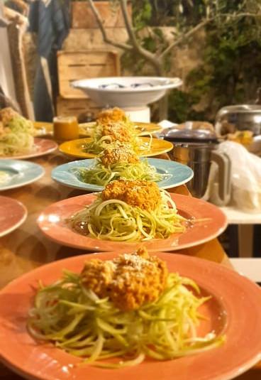 Cucuzza/ mandorle/ Pomodori secchi/ semi